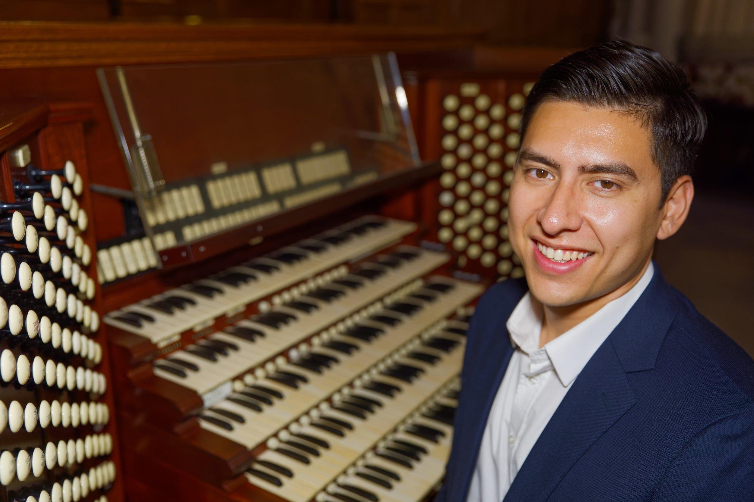 Organist Michael Hey